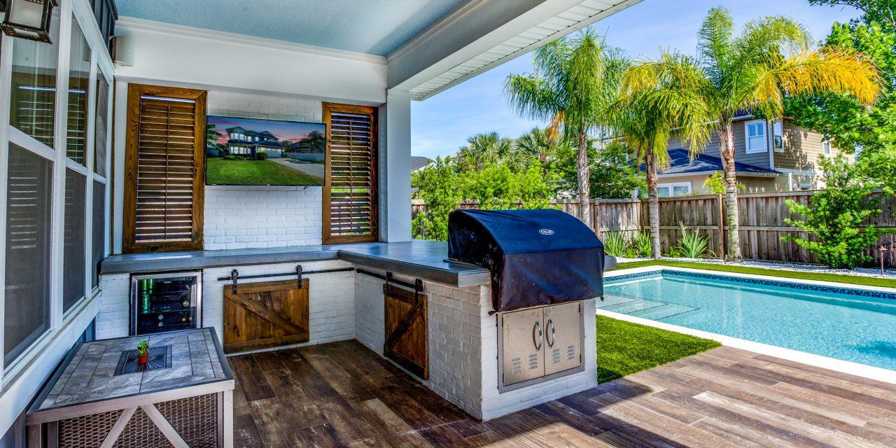 Backyard Living: Benefits of an Outdoor Kitchen